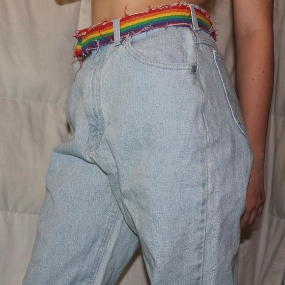 d98b8877 Denim Light Wash Blue Baggy Oversized Mom Jeans. M_5afb30ed6bf5a66715eeb162